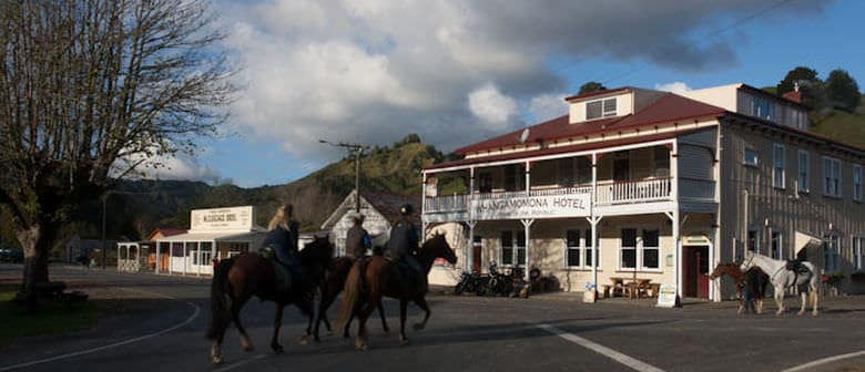 Whangamomona hotel Forgotten Highway